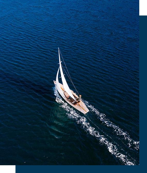sejlbåd set fra oven
